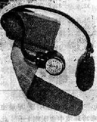 弹簧式血压计