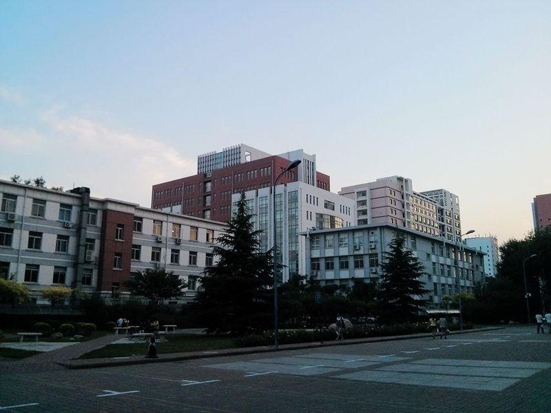 文件:2014年6月天津医科大学校园.jpg