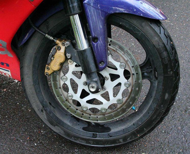 文件:Aprilia disc brake.jpg