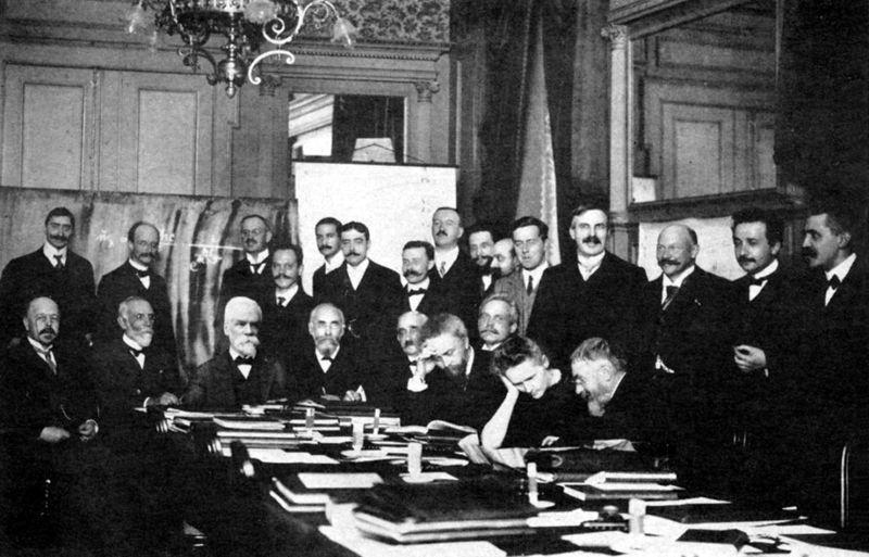 文件:1911 Solvay conference.jpg